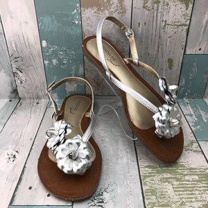 """Madeline Stuart """"Adelee"""" Floral Thong Sandals 8"""